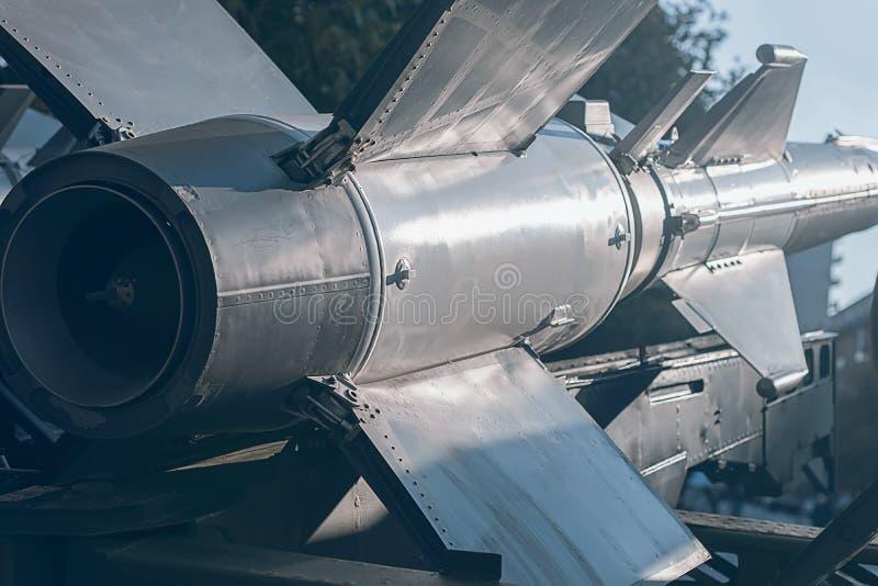 Rocket balistico Missile nucleare con la testata Guerra Backgound fotografia stock libera da diritti