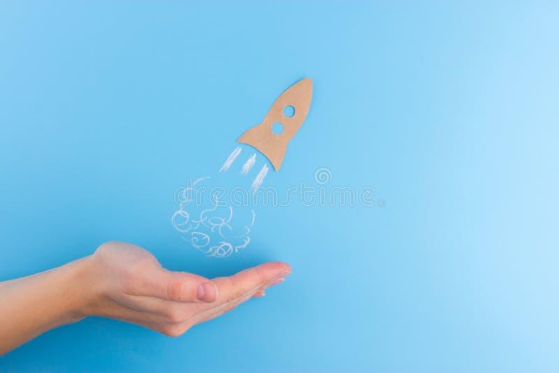 Rocket fez do papel fotografia de stock