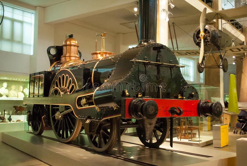 Rocket Locomotive de Stephenson Museu de ciência, Londres, Reino Unido fotografia de stock royalty free