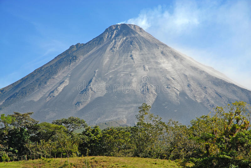 Rockfall вулкана Arenal стоковая фотография rf