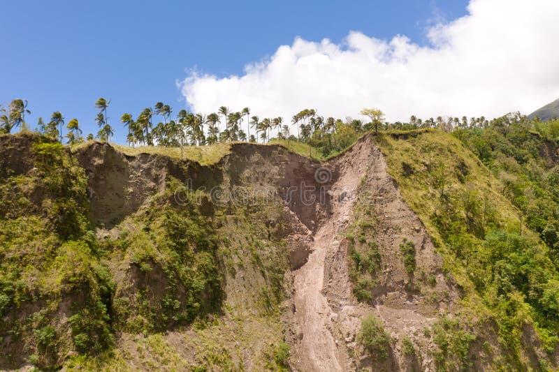 Rockfall dans des secteurs tropicaux L'effondrement du sol dans les montagnes photographie stock libre de droits