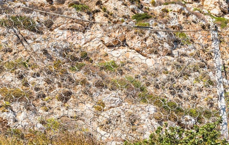Rockfall ochrony siatkarstwo, zbawcza druciana siatka fotografia stock