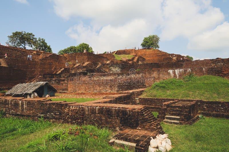 Rockfortress av Sigiriyaen vaggar överst, Sri Lanka arkivfoton