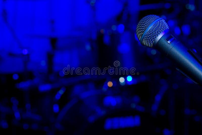Rockkonzert- oder Festivalhintergrund lizenzfreie stockfotografie