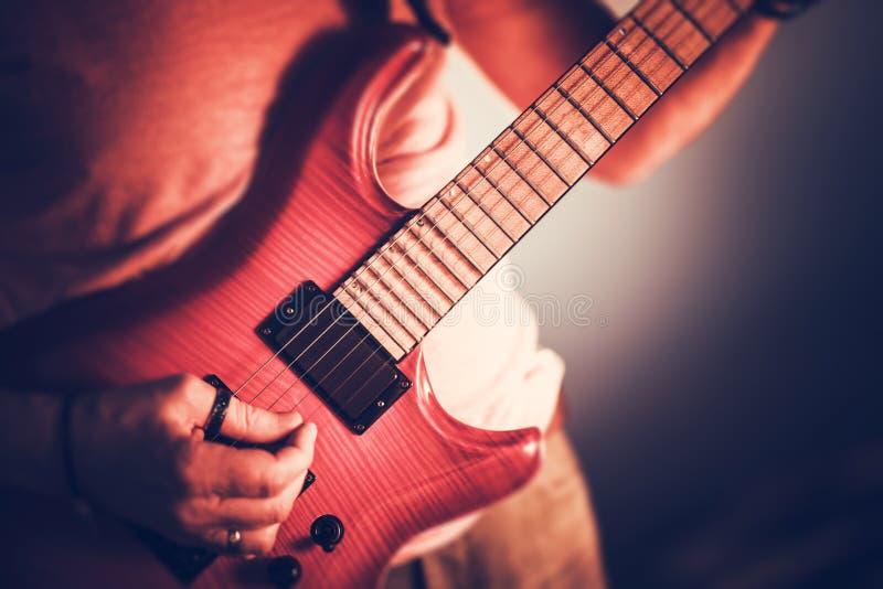 Rockman gitarrist Closeup royaltyfria foton