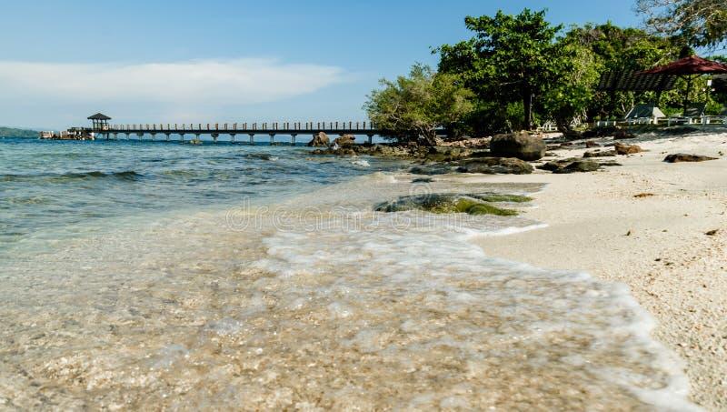 Rockowa wyspa klubu Nam Nghi Phu Quoc wyspa zdjęcie royalty free