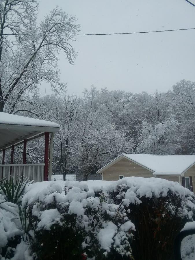 Rockowy śnieżny dzień obraz royalty free