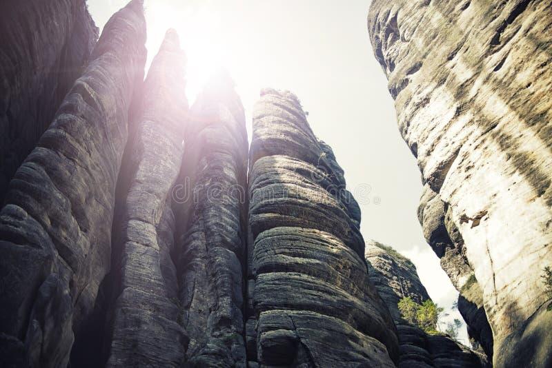 Rockowy miasteczko, park narodowy Adrspach-Teplice w republika czech, rocznika skutek obraz stock