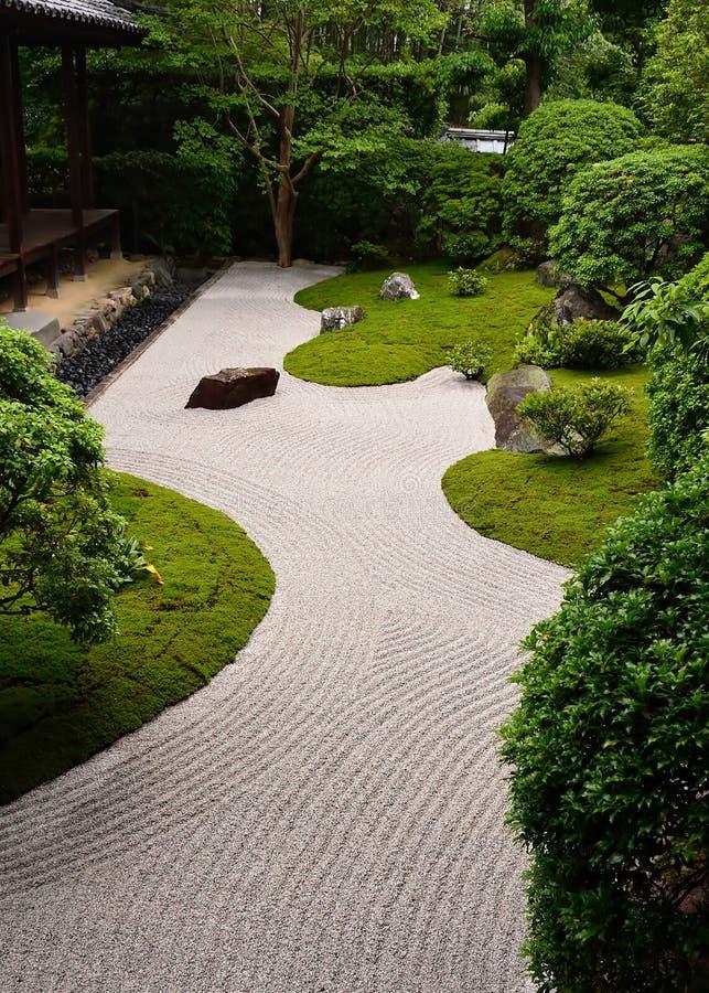 Rockowy ogród w Nyoshin-ji świątyni, Kyoto Japonia zdjęcie royalty free