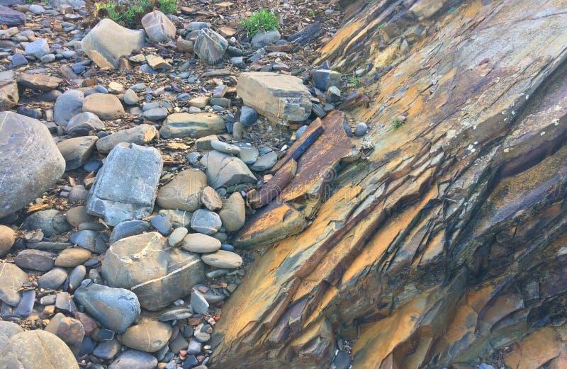Rockowy spadek, skały pokrywa, skała zdjęcie royalty free