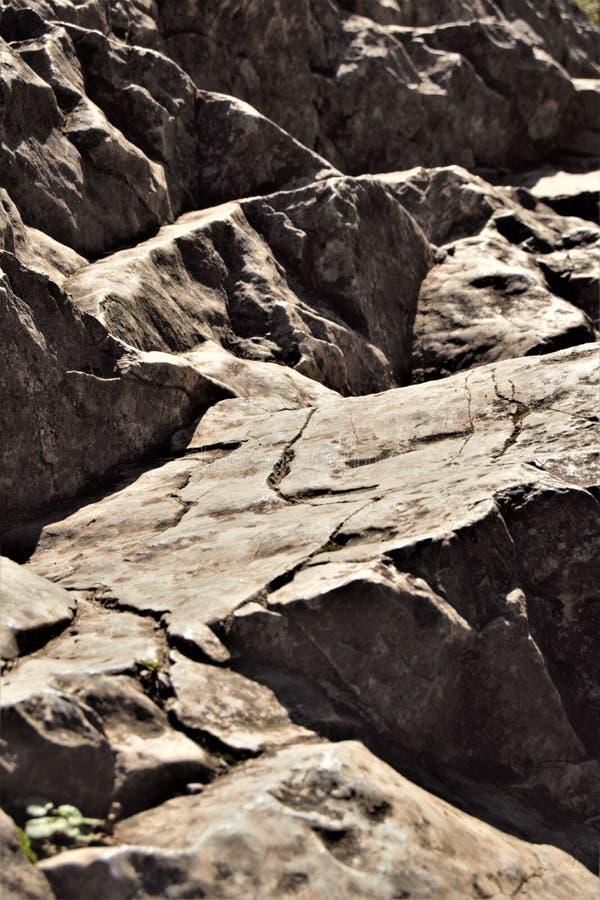 Rockowy szelfowy pobliski zmierzch, Mendips obrazy royalty free