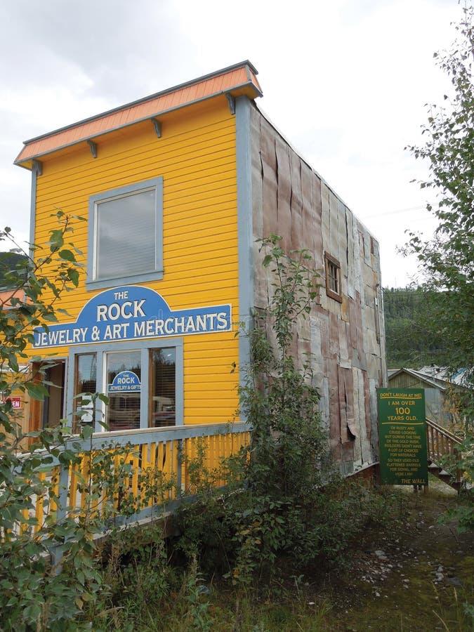 Rockowych biżuterii & sztuki handlarzów â€' Dawson miasto, Alaska fotografia stock