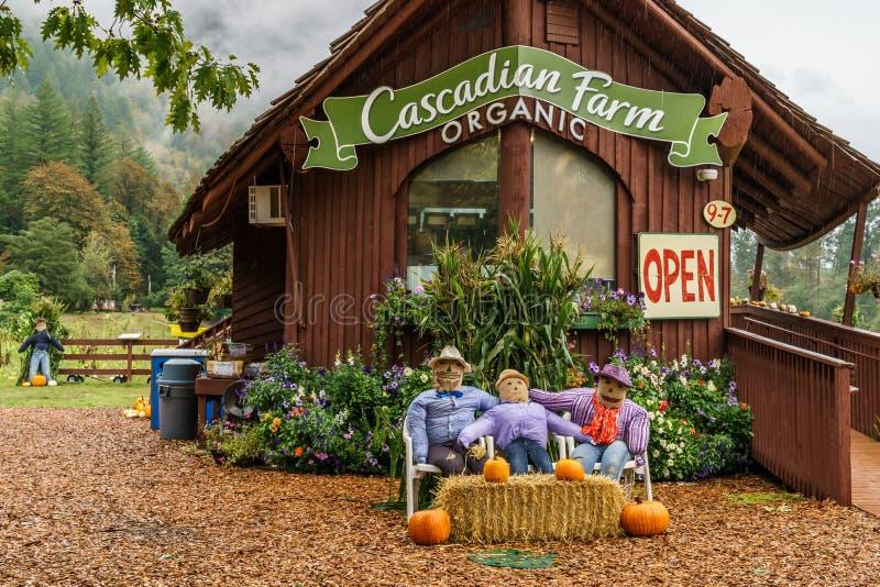 Rockport, США - 15-ое сентября: Здание магазина подсобного хозяйства Cascadian на дождливый день стоковая фотография