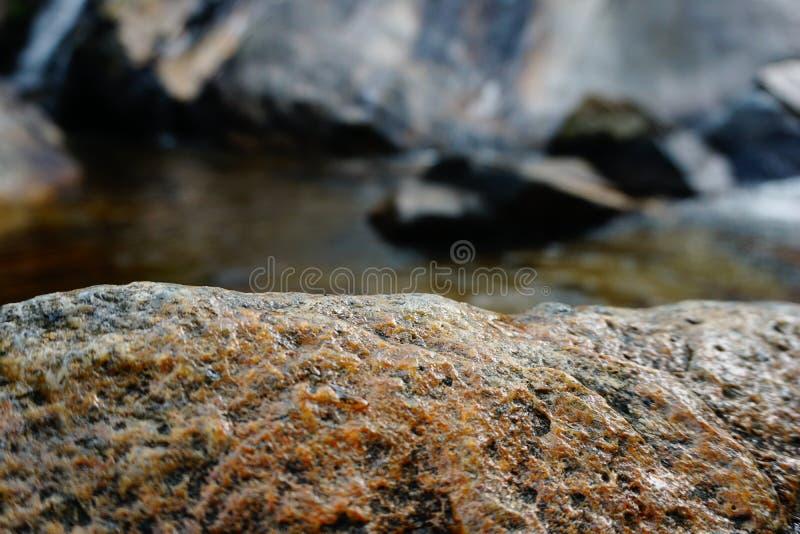 RockRocks och vattenfall fotografering för bildbyråer