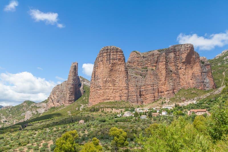 Rocks Mallos DE Riglos, Huesca, Spanje stock afbeeldingen