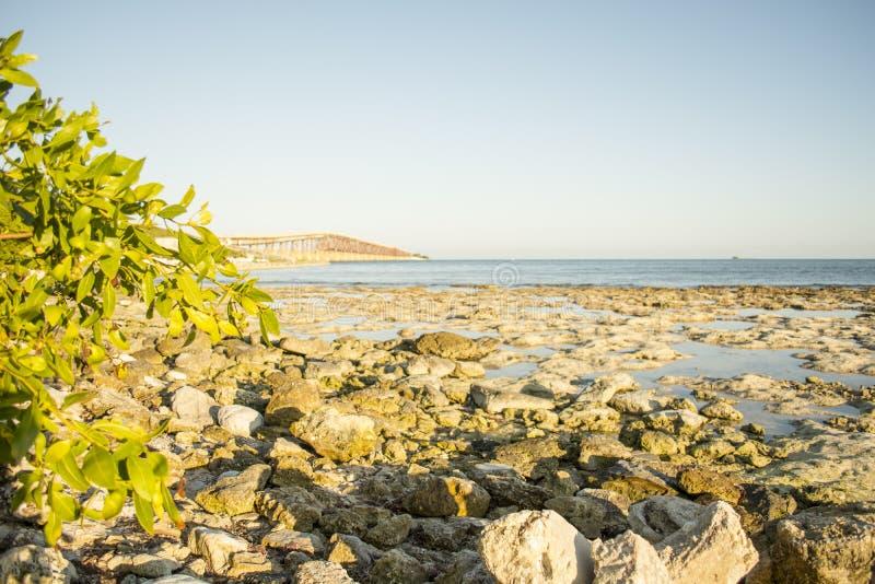 Rocky Beach Bahia Honda fotografía de archivo