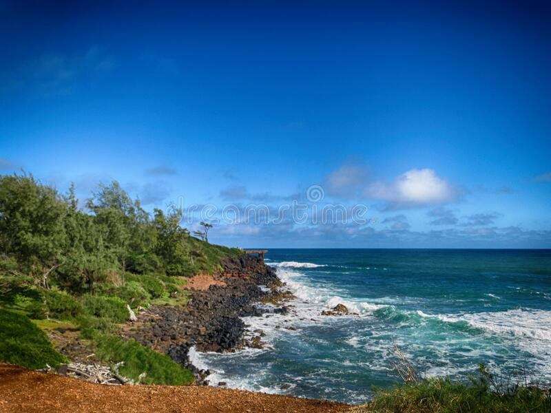 Rocky Beach en Kauai imagenes de archivo