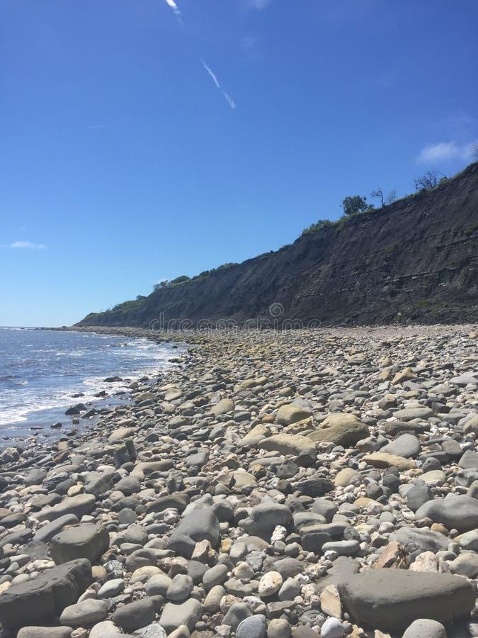 Rocky Beach i Lyme Regis royaltyfria bilder
