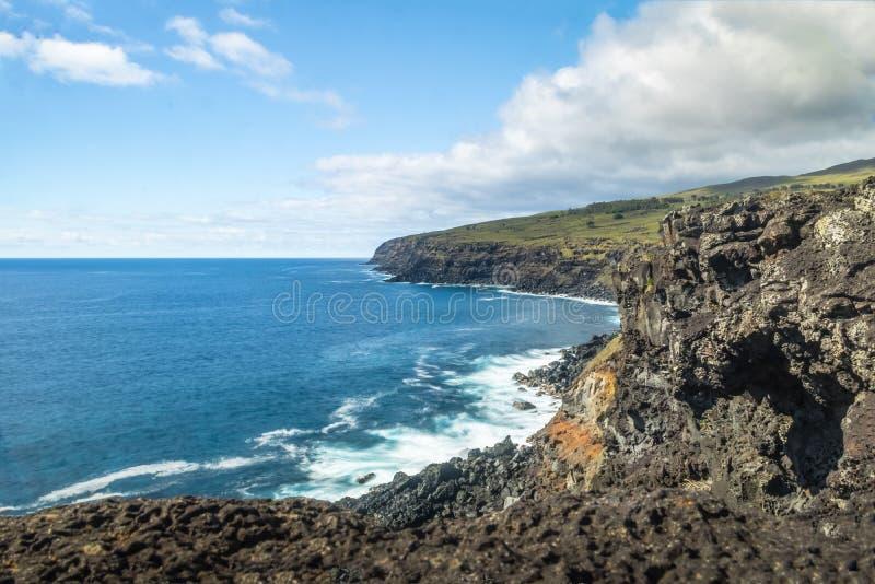Rocky Coast av påskön - påskö, Chile royaltyfria bilder
