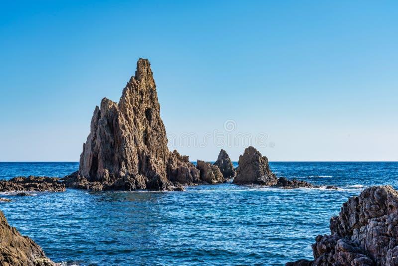 Rocky Coast di Cabo de Gata Nijar Park, Almeria, Spagna immagine stock libera da diritti