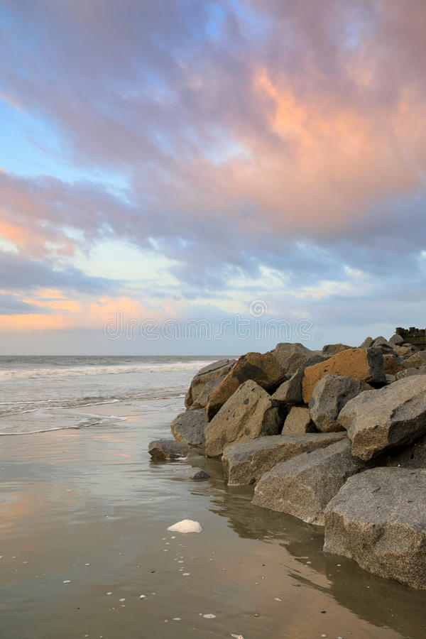 Rocky Coast Folly Beach South Carolina imagens de stock