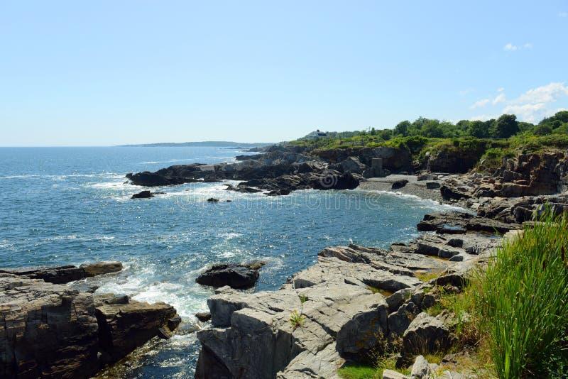 Rocky Coast na baía de Casco, Maine fotografia de stock