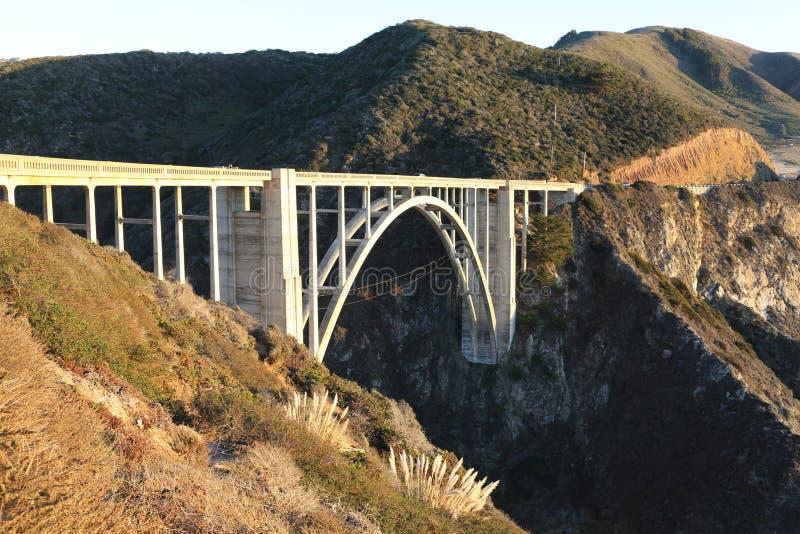 Rocky Creek Bridge em Monterey, CA fotografia de stock