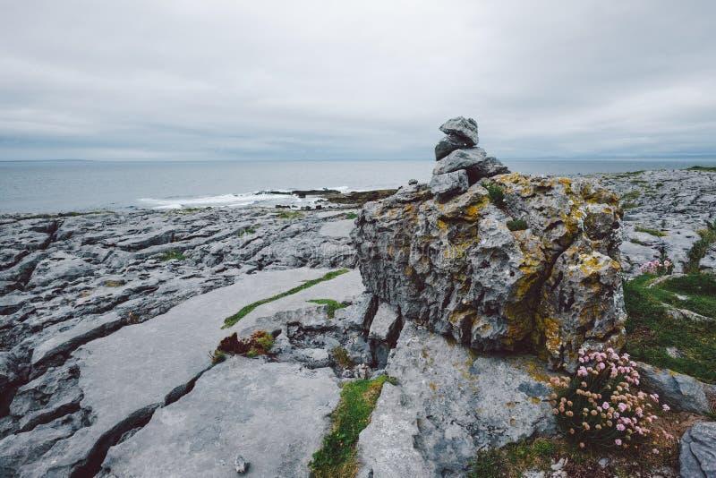 Rocky Irish Coast, Doolin immagine stock libera da diritti