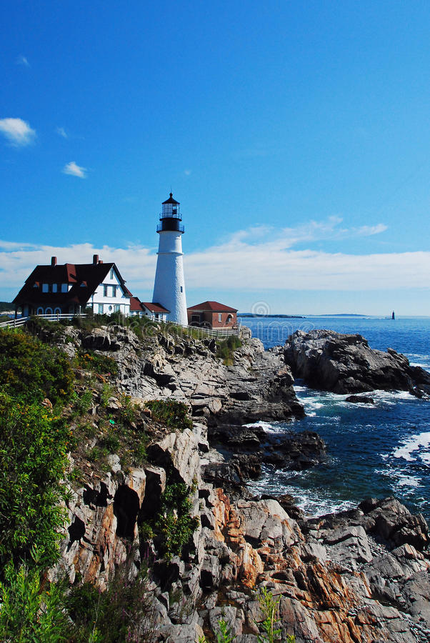 Free Rocky Lighthouse Royalty Free Stock Photos - 12345138