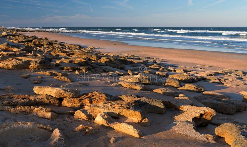 Rocky Marineland Beach arkivbild