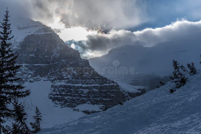 Rocky Mountain près de Lake Louise  image stock