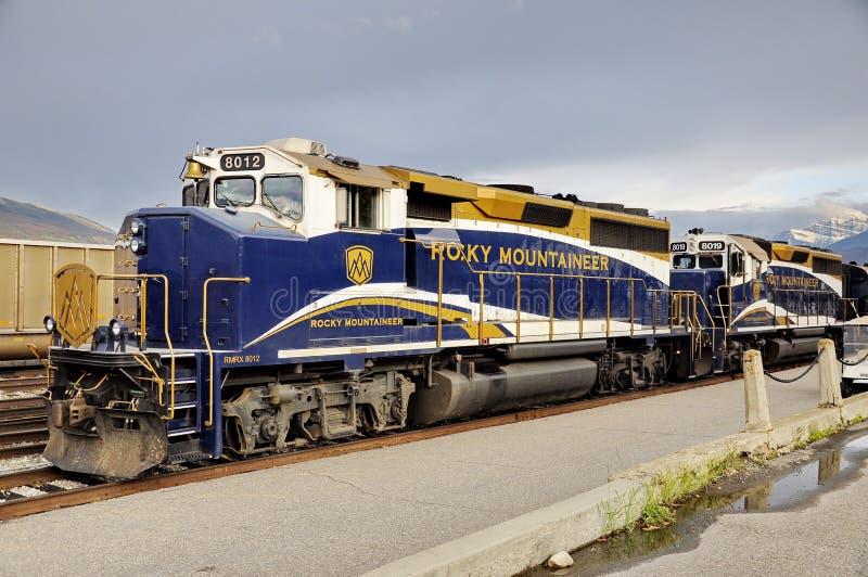 Rocky Mountaineer Train in Jasper Station royalty-vrije stock foto's