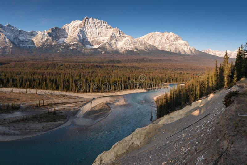 Rocky Mountains auf einem Herbsttag Jasper Nationalpark in den kanadischen Rockies Alberta Canada Scenlandschaft in Jasper Nation lizenzfreie stockfotografie