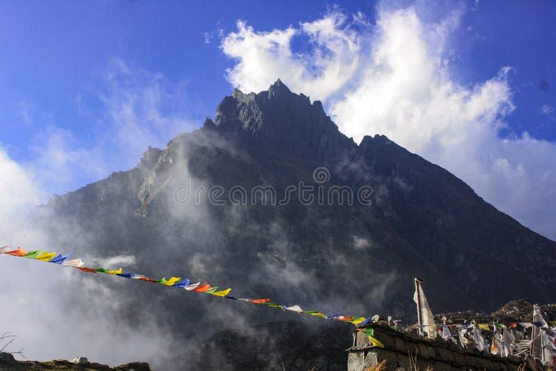 Rocky Mountains van Langtang-Vallei royalty-vrije stock foto's