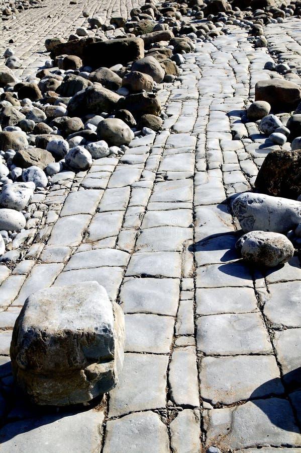 Download Rocky na plaży obraz stock. Obraz złożonej z kamień, skała - 25191