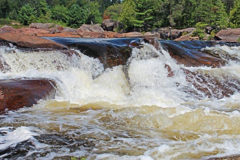 Rocky Northern Ontario Waterfall fotografia stock libera da diritti