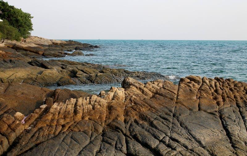 Download Rocky Shore arkivfoto. Bild av sand, säsong, sommar, plats - 37349872