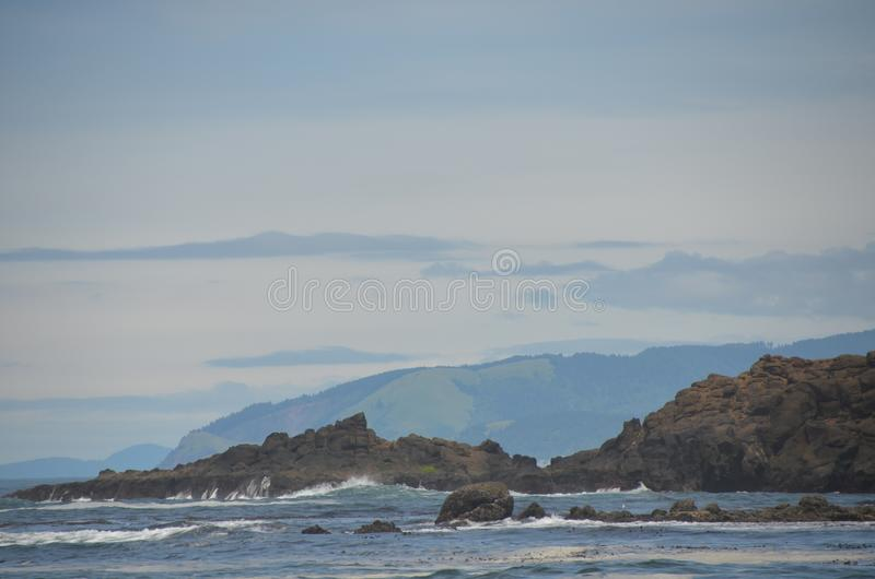 Rocky Shore Near Fogarty Creek Beach, Oregon royalty free stock images