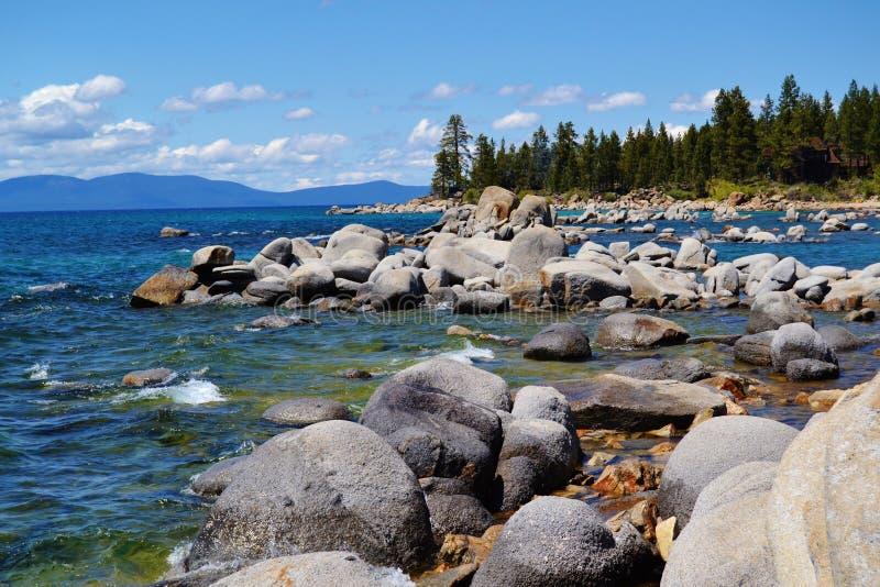 Rocky Shoreline Lake Tahoe arkivbilder