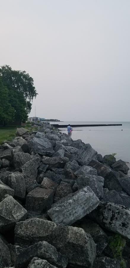 Rocky Summer Shoreline nad jeziorem Michigan zdjęcia stock