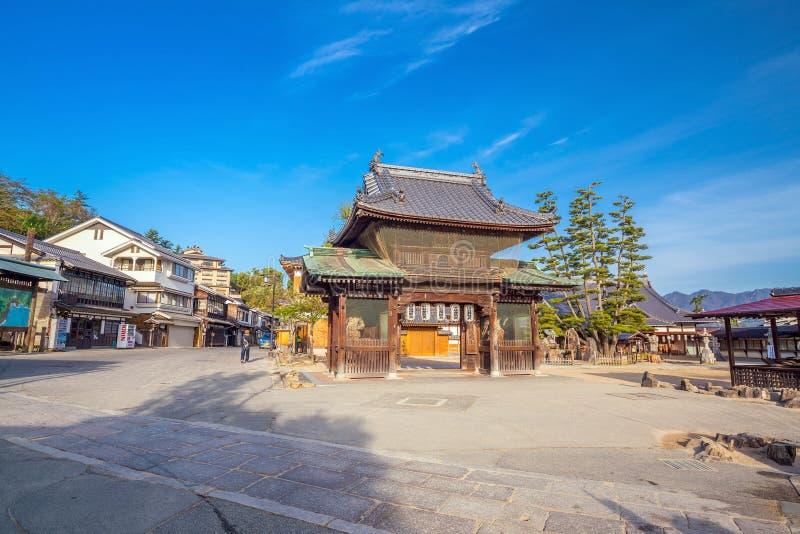 Roczników budynki blisko Itukashima świątyni na Miyajima, Hiroszima obraz stock