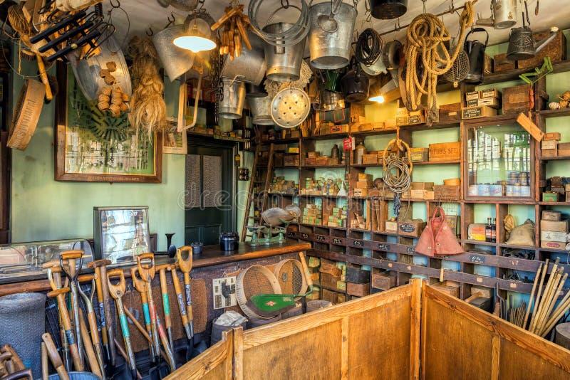 Roczników Ironmongers sklep przy Czarnego kraju Żywym muzeum zdjęcia royalty free