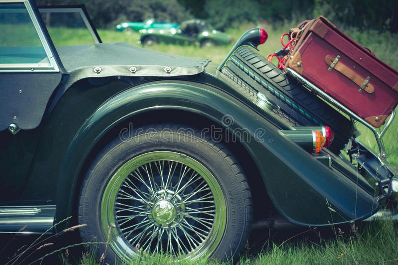 Roczników luksusowi samochody przedstawiają w Czerwu 2015 przy Fraisse kasztelem w Nouic, Francja obrazy royalty free