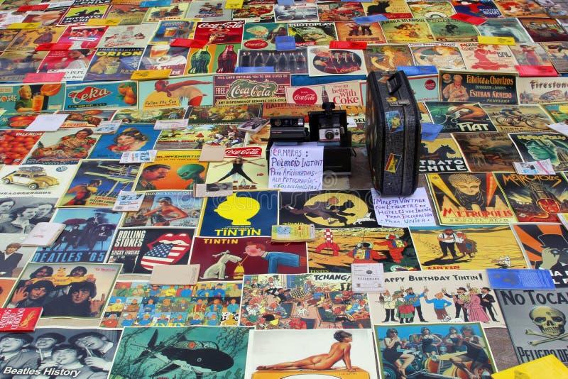 Roczników plakaty przy pchli targ, Walencja, Hiszpania fotografia stock