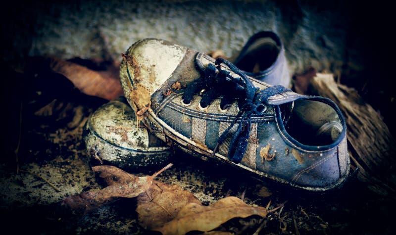 Download Roczników sneakers obraz stock. Obraz złożonej z sztuka - 57657841