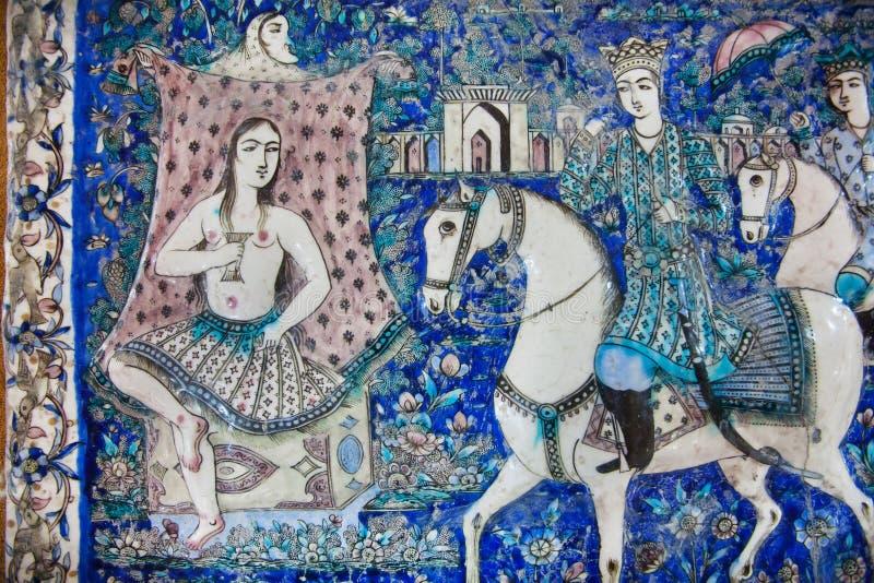 Rocznik ceramiczna płytka z obrazkiem data perski książe i princess, konserwująca od xix wiek w Iran zdjęcia stock