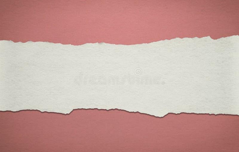 Rocznik czerwieni papieru tło z biel drzejącym lampasem zdjęcie stock