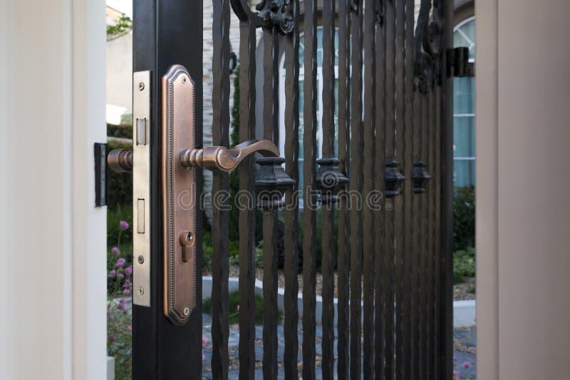 Rocznik drzwiowa rękojeść z keyhole zdjęcie royalty free