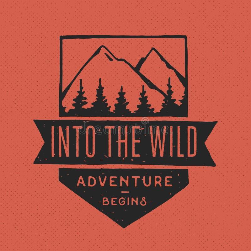 Rocznik etykietki, ręka rysująca na temacie Wycieczkować, Mountaineering, Tropi ilustracja wektor