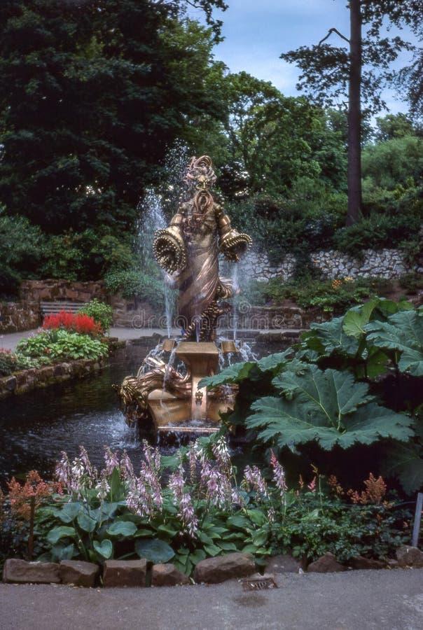 Rocznik fotografia około 1978, pamiątkowa fontanna przy Chester zoo obrazy stock